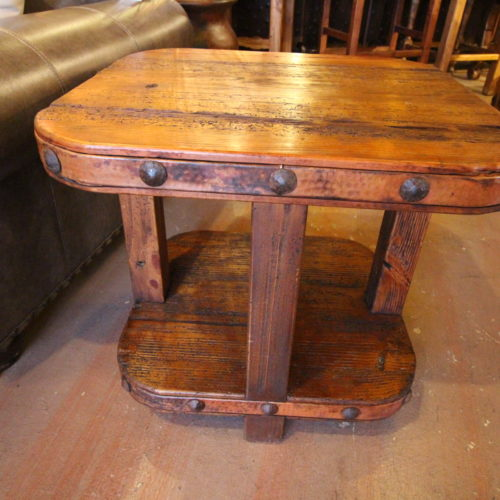 Mariquita Oval End Table