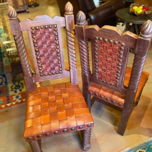 Rey Salomón Woven Leather Chair in Red Inglès