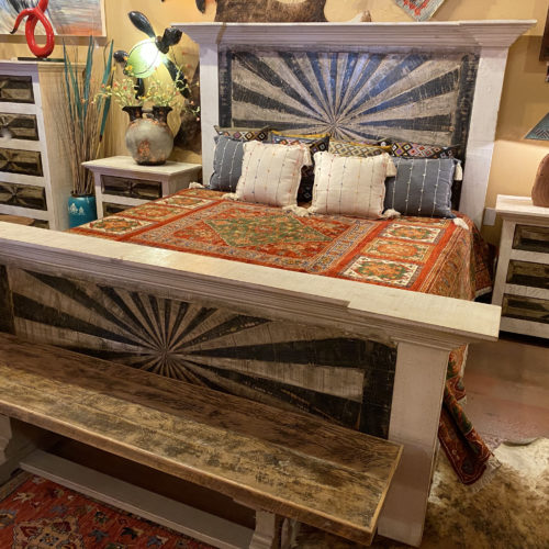 Starbust Bed in Whitewash